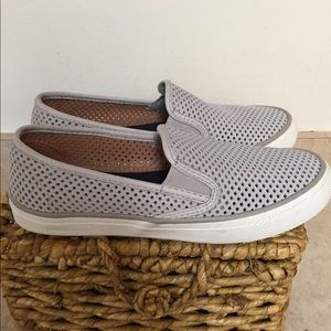 Sperrys Size 6.5 Perforated Pale Gray